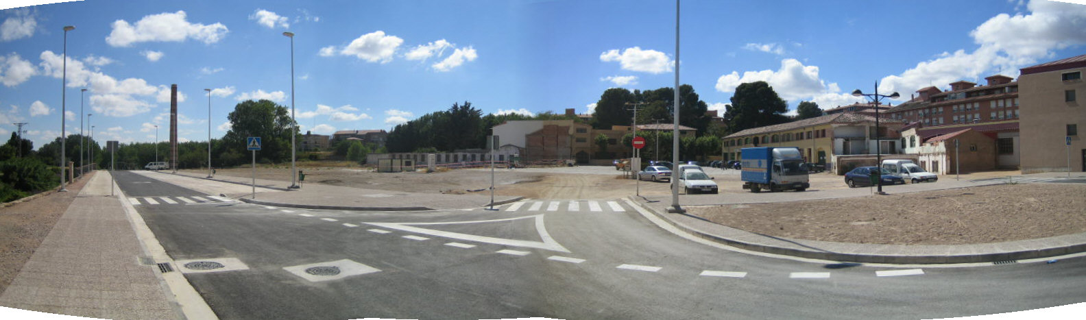 Obras de alumbrado público de plaza Joaquina Zamora